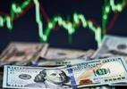 Bolsa tem melhor mês desde dezembro; dólar cai 2,31% no dia, a R$ 5,629